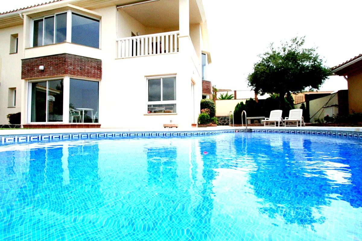Beautiful villa in El Higueron